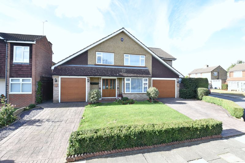 4 bedroom Detached  to rent in Holmfield Close, Luton
