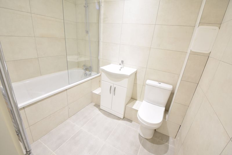 1 bedroom  to buy in 142 Midland Road , Luton - Photo 7