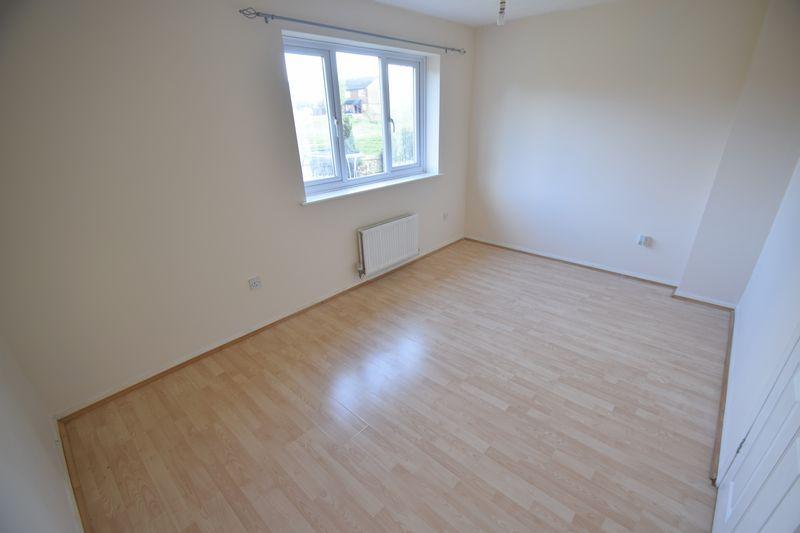3 bedroom Semi-Detached  to buy in Lambourn Drive, Luton - Photo 10