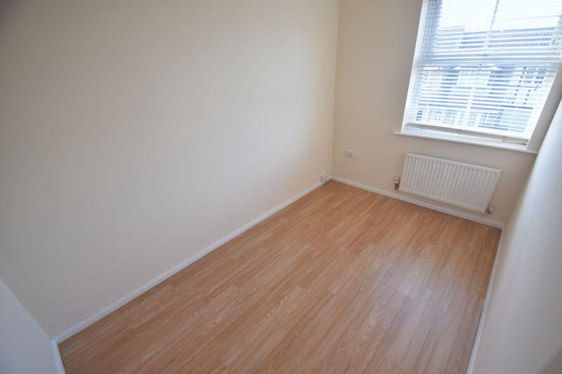 3 bedroom Semi-Detached  to buy in Lambourn Drive, Luton - Photo 12
