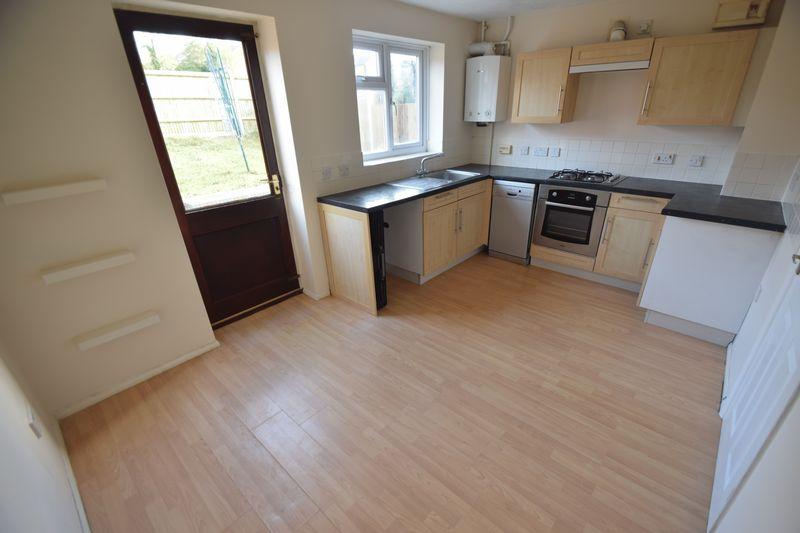 3 bedroom Semi-Detached  to buy in Lambourn Drive, Luton - Photo 14