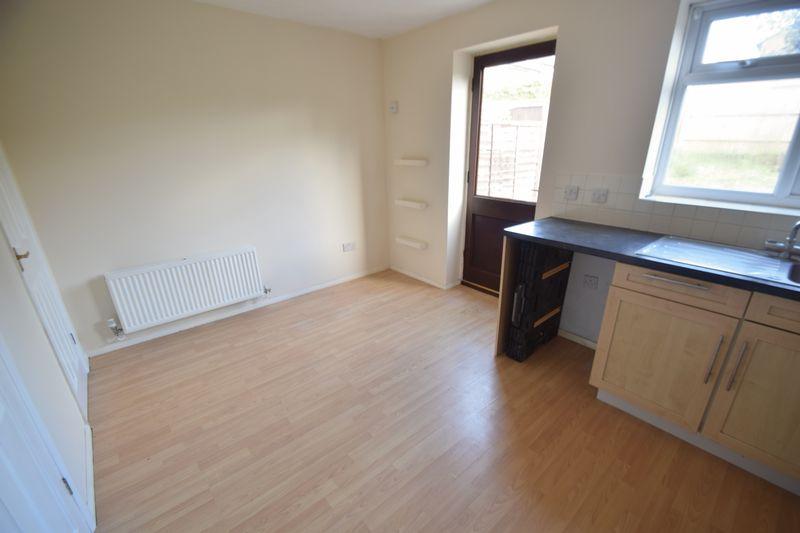 3 bedroom Semi-Detached  to buy in Lambourn Drive, Luton - Photo 16