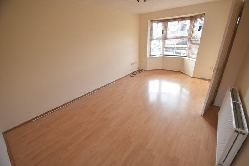 3 bedroom Semi-Detached  to buy in Lambourn Drive, Luton - Photo 17