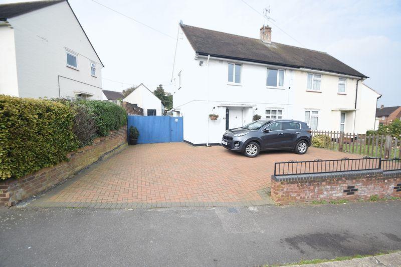 3 bedroom Semi-Detached  to rent in Saltfield Crescent, Luton