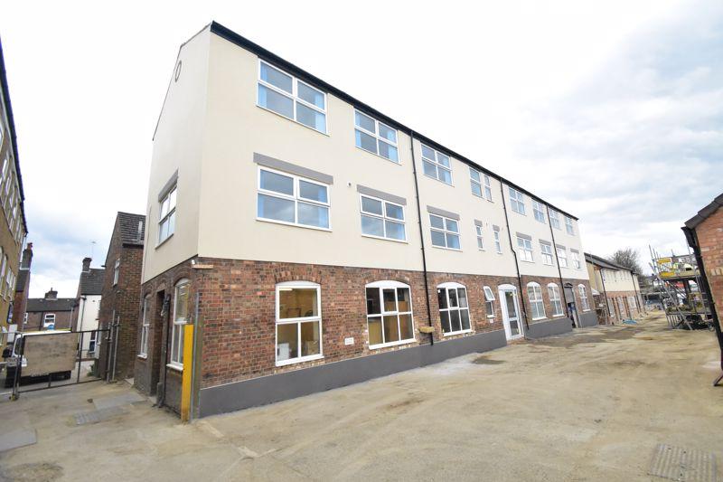 1 bedroom  to buy in Kingham Way, Luton - Photo 12