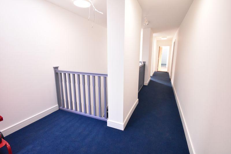 1 bedroom  to buy in Kingham Way, Luton - Photo 7