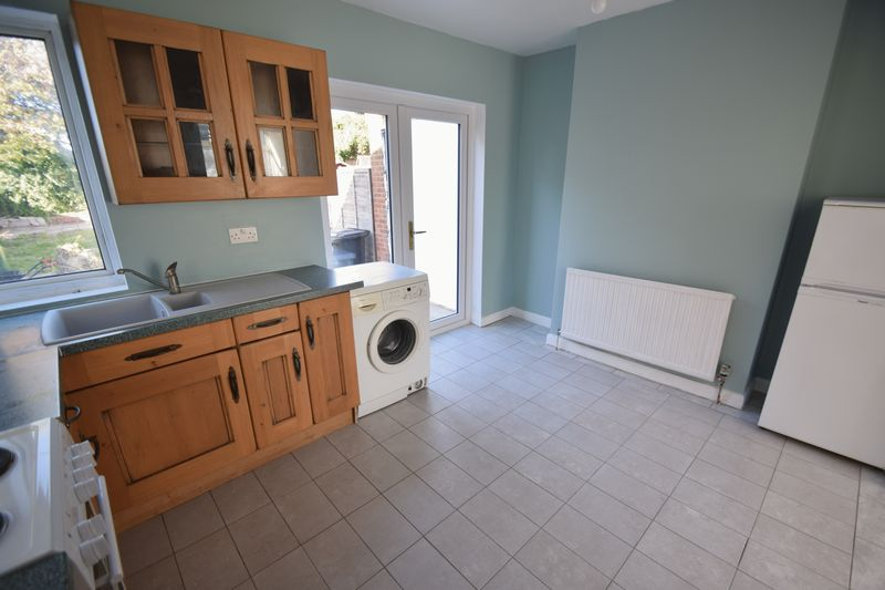 2 bedroom Semi-Detached  to buy in Third Avenue, Luton - Photo 11