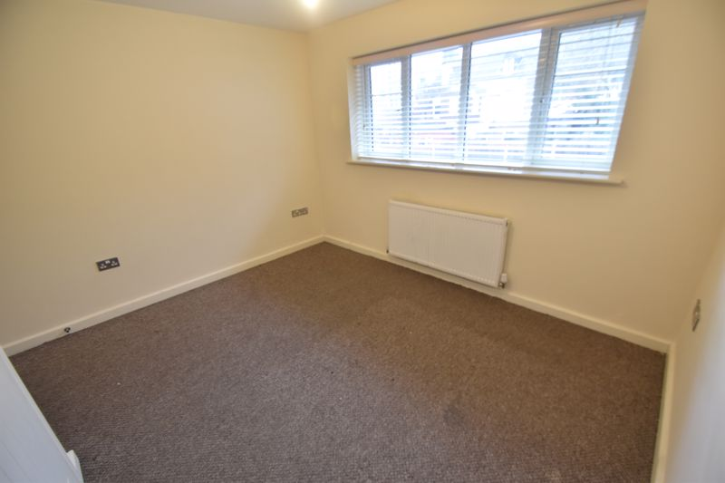 2 bedroom Mid Terrace to rent in Grove Road, Luton - Photo 43
