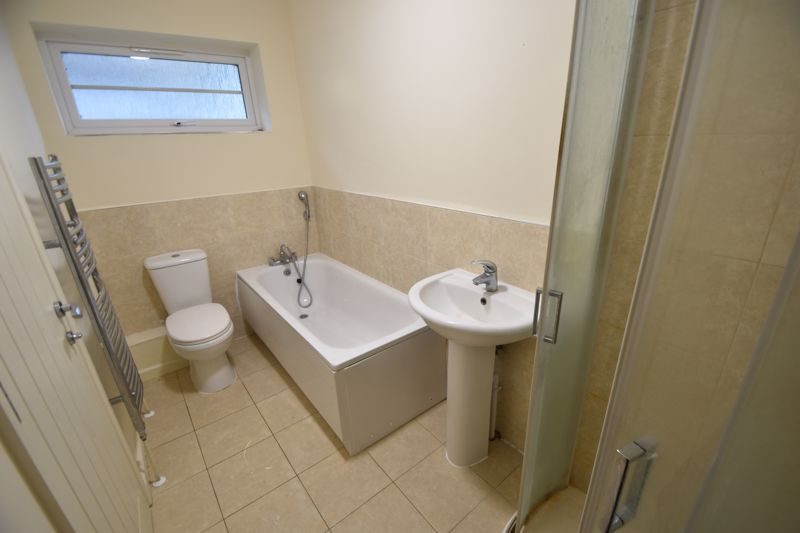 2 bedroom Mid Terrace to rent in Grove Road, Luton - Photo 44