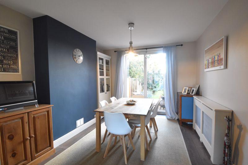 3 bedroom Semi-Detached  to rent in Rutland Crescent, Luton - Photo 1