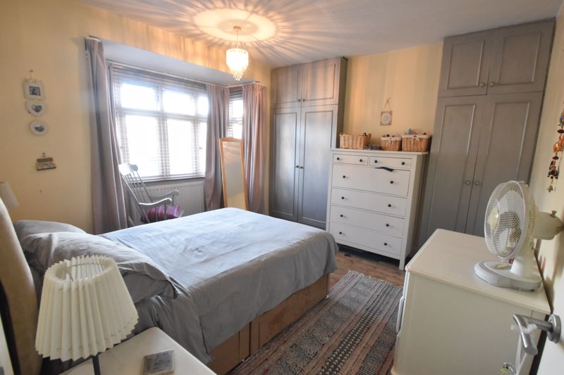 3 bedroom Semi-Detached  to rent in Rutland Crescent, Luton - Photo 6