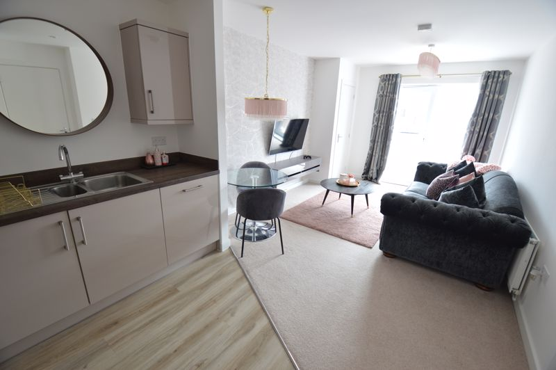 2 bedroom Flat to buy in Union Street, Luton - Photo 4