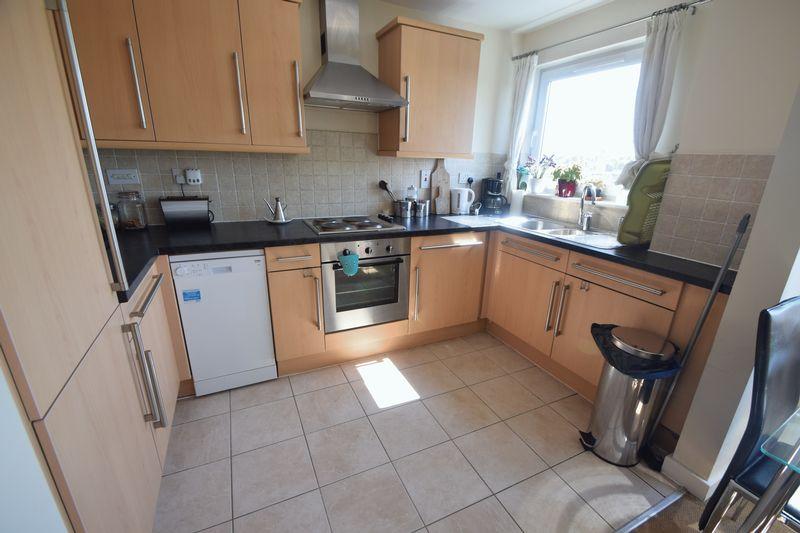 2 bedroom Apartment / Studio to rent in Hatton Place, Midland Road, Luton - Photo 5