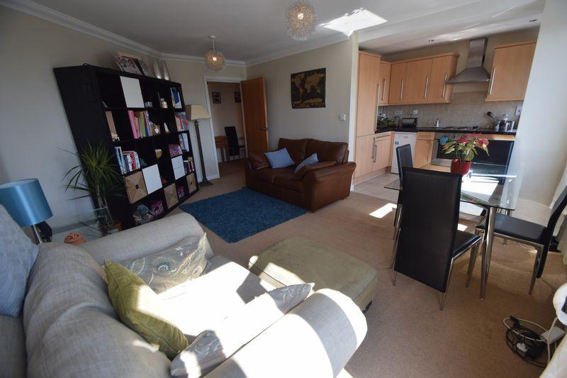 2 bedroom Apartment / Studio to rent in Hatton Place, Midland Road, Luton - Photo 13