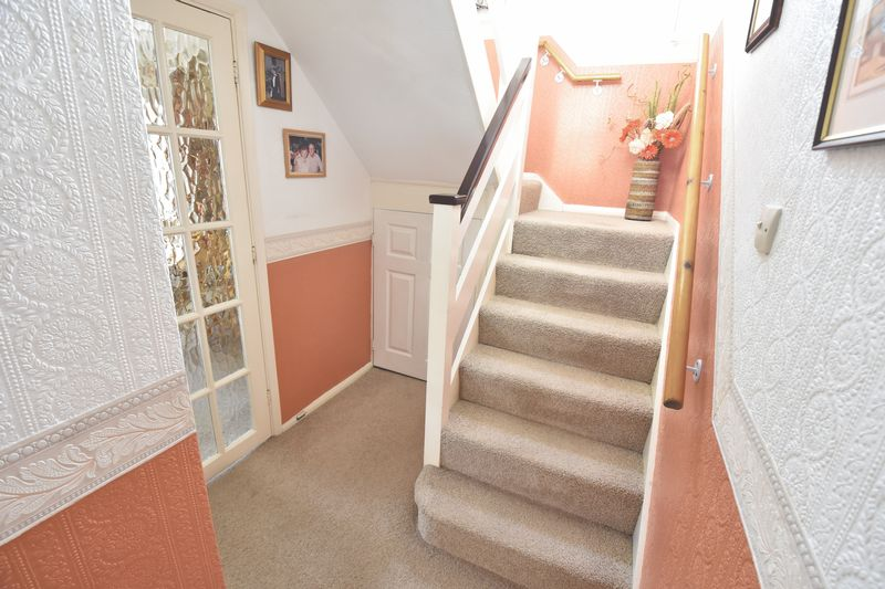 3 bedroom Detached  to buy in Benson Close, Luton - Photo 12