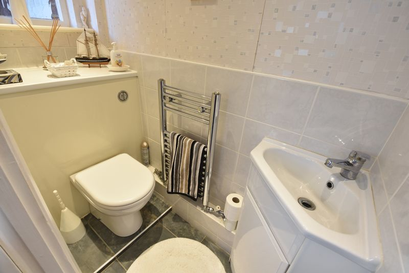 3 bedroom Detached  to buy in Benson Close, Luton - Photo 13
