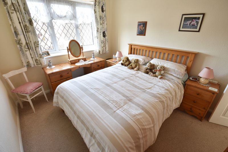 3 bedroom Detached  to buy in Benson Close, Luton - Photo 16