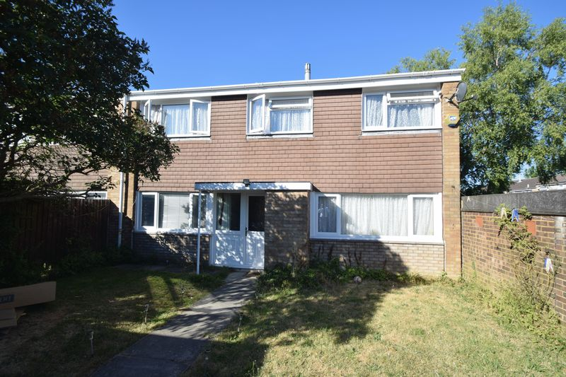 3 bedroom Semi-Detached  to buy in Thrales Close, Luton - Photo 11
