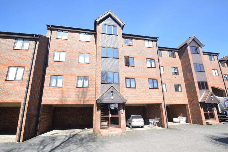 2 bedroom Flat to rent in Nightingale Court, Luton