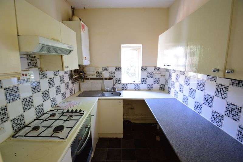 2 bedroom Flat to rent in Strathmore Avenue, Luton - Photo 9