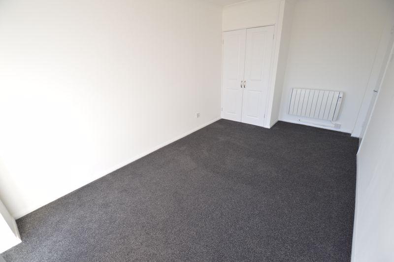 2 bedroom Flat to rent in Elderberry Close, Luton - Photo 5