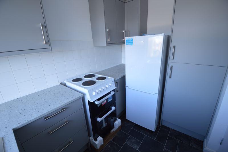 2 bedroom Flat to rent in Elderberry Close, Luton - Photo 10