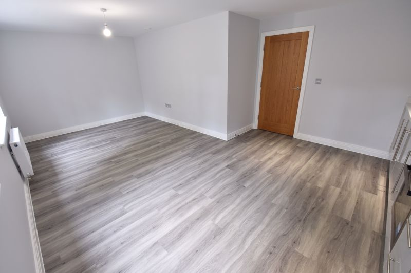 2 bedroom Flat to rent in 48 Crawley Green Road, Luton - Photo 13