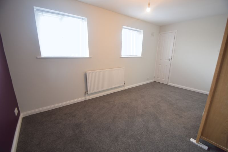 2 bedroom Semi-Detached  to buy in Hayhurst Road, Luton - Photo 2