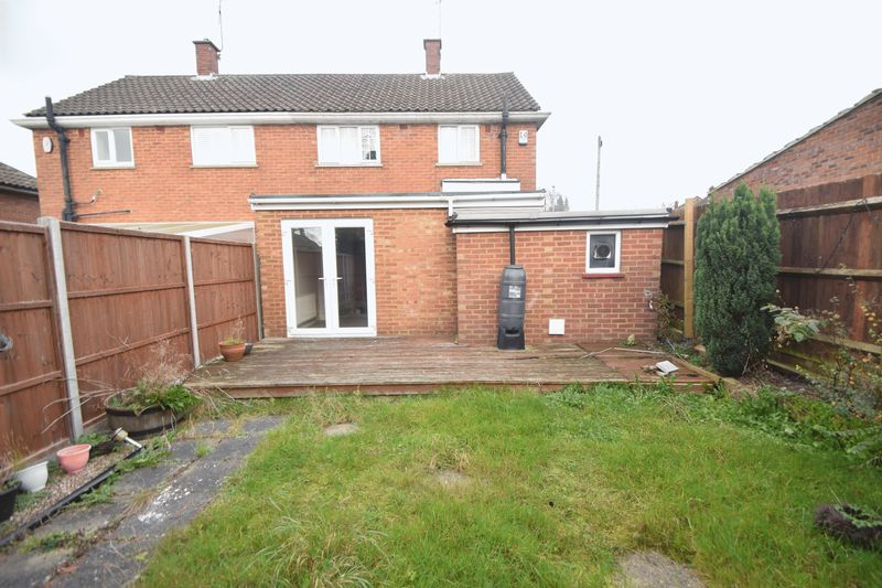 2 bedroom Semi-Detached  to buy in Hayhurst Road, Luton - Photo 10