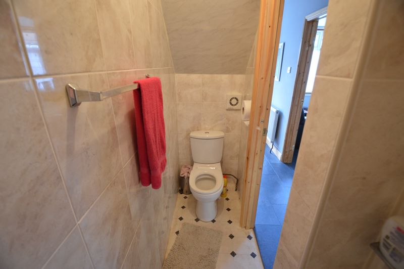 4 bedroom Mid Terrace to rent in Carisbrooke Road, Luton - Photo 10