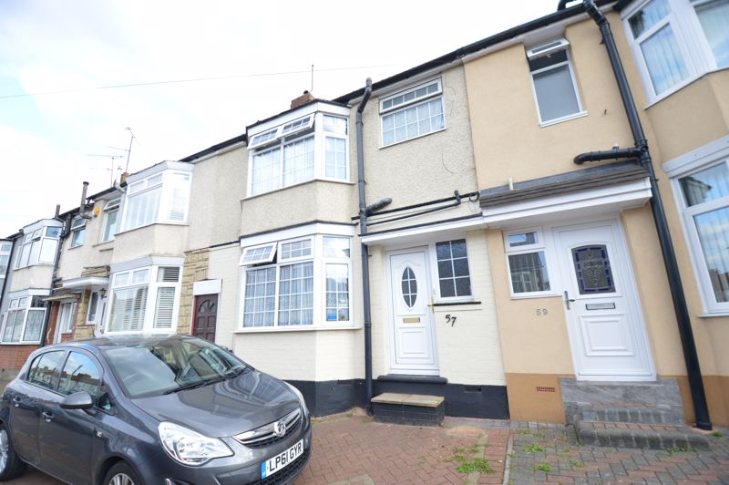 4 bedroom Mid Terrace to rent in Carisbrooke Road, Luton - Photo 20
