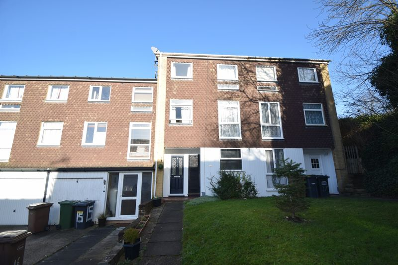 5 bedroom Mid Terrace to buy in Trowbridge Gardens, Luton