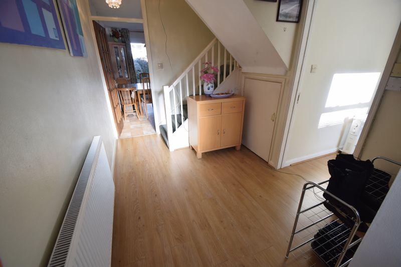5 bedroom Mid Terrace to buy in Trowbridge Gardens, Luton - Photo 8