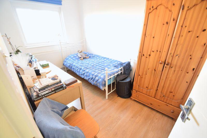 5 bedroom Mid Terrace to buy in Trowbridge Gardens, Luton - Photo 14