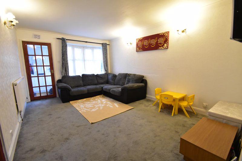 3 bedroom Semi-Detached  to rent in Corinium Gardens, Luton - Photo 1