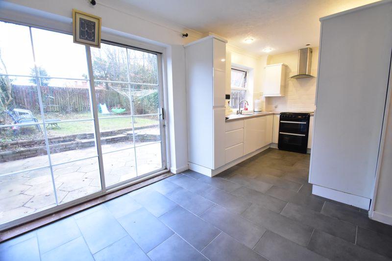 3 bedroom Semi-Detached  to rent in Corinium Gardens, Luton - Photo 3