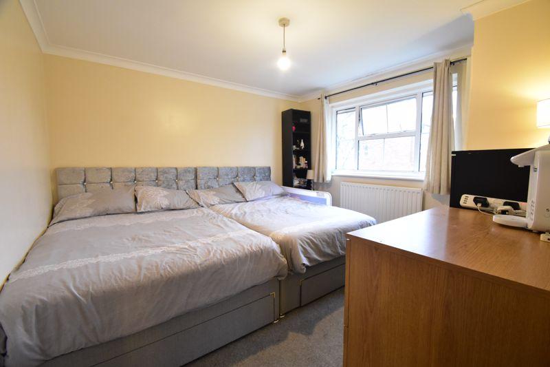 3 bedroom Semi-Detached  to rent in Corinium Gardens, Luton - Photo 5