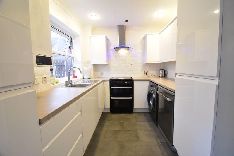 3 bedroom Semi-Detached  to rent in Corinium Gardens, Luton - Photo 23