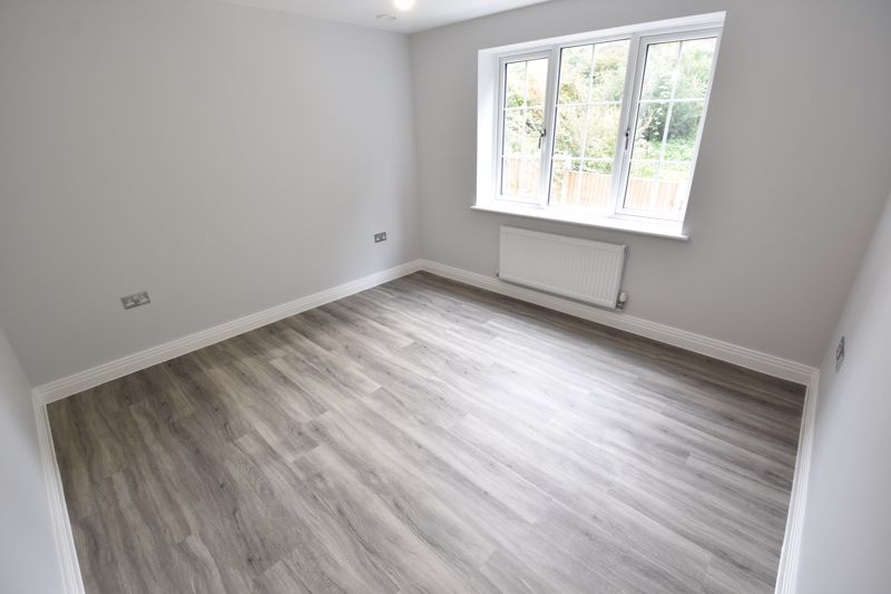 2 bedroom Flat to rent in 48 Crawley Green Road, Luton - Photo 4