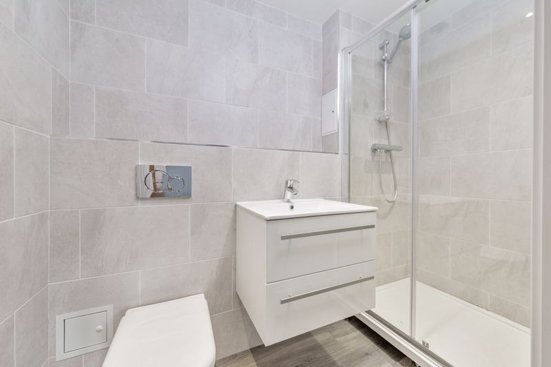 2 bedroom Flat to rent in 48 Crawley Green Road, Luton - Photo 3