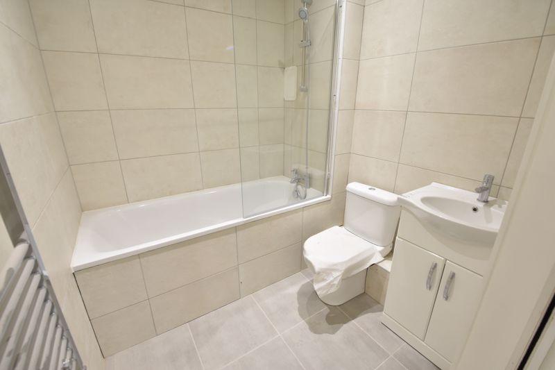 1 bedroom  to buy in 142 Midland Road, , Luton - Photo 10