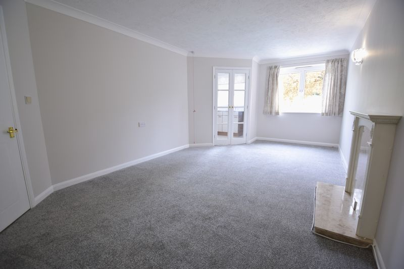 1 bedroom Flat to rent in Old Bedford Road, Luton - Photo 9
