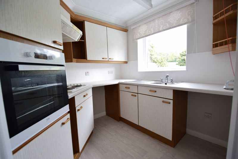 1 bedroom Flat to rent in Old Bedford Road, Luton - Photo 12