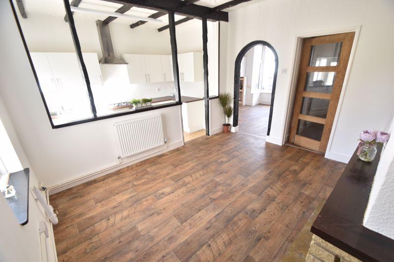 4 bedroom Mid Terrace to buy in Dordans Road, Luton - Photo 14