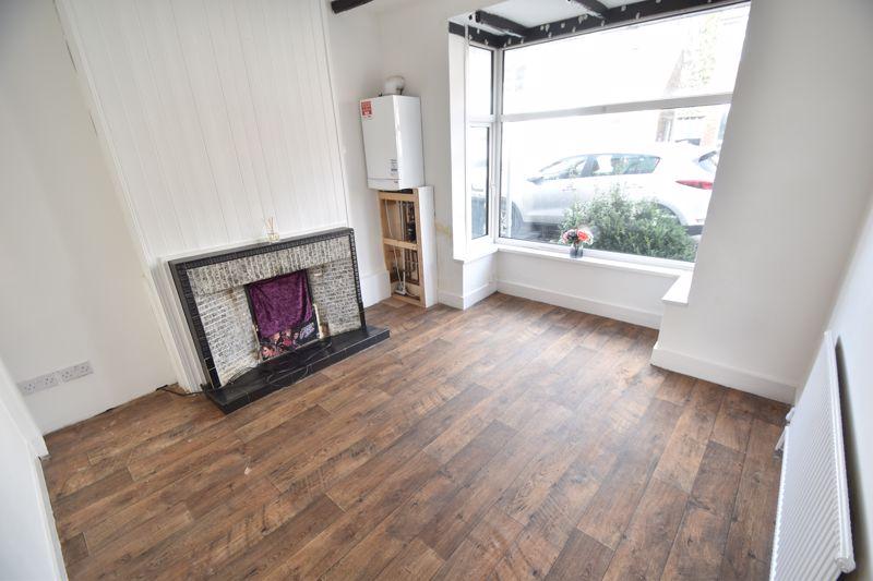 4 bedroom Mid Terrace to buy in Dordans Road, Luton - Photo 19