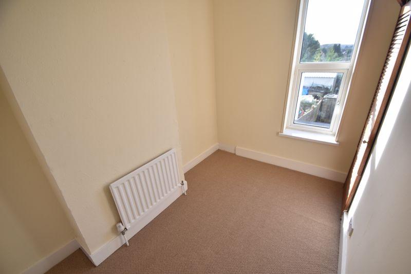 4 bedroom Mid Terrace to buy in Dordans Road, Luton - Photo 21