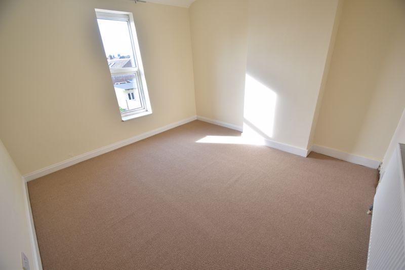 4 bedroom Mid Terrace to buy in Dordans Road, Luton - Photo 23