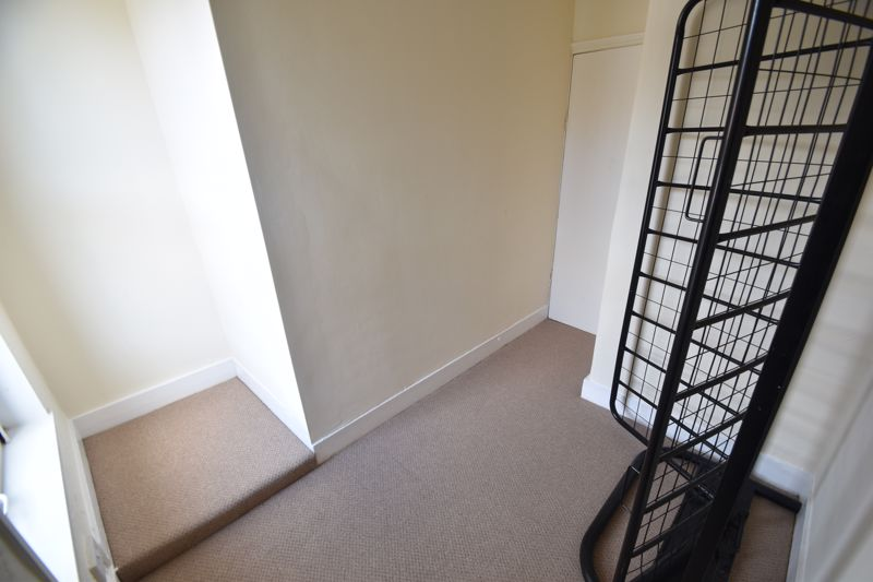 4 bedroom Mid Terrace to buy in Dordans Road, Luton - Photo 15