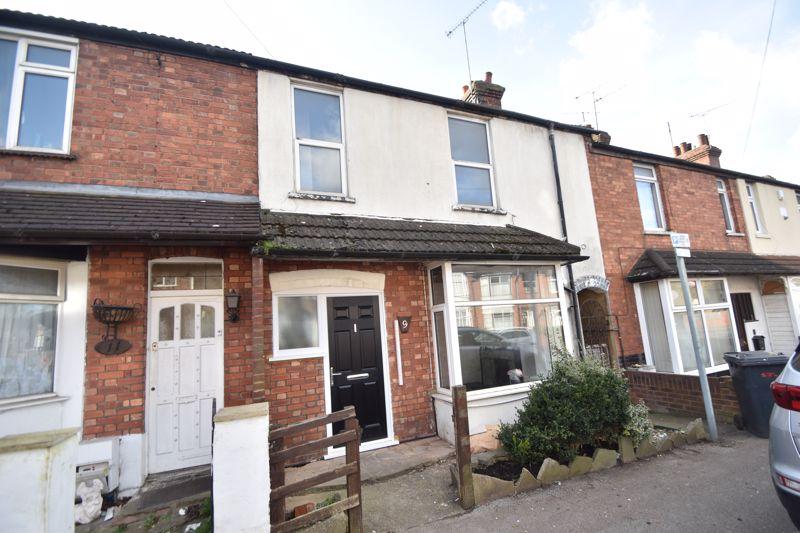 4 bedroom Mid Terrace to buy in Dordans Road, Luton