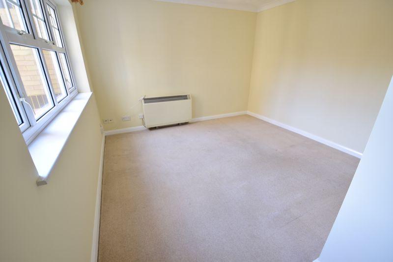 1 bedroom Flat to rent in Earls Meade, Luton - Photo 5
